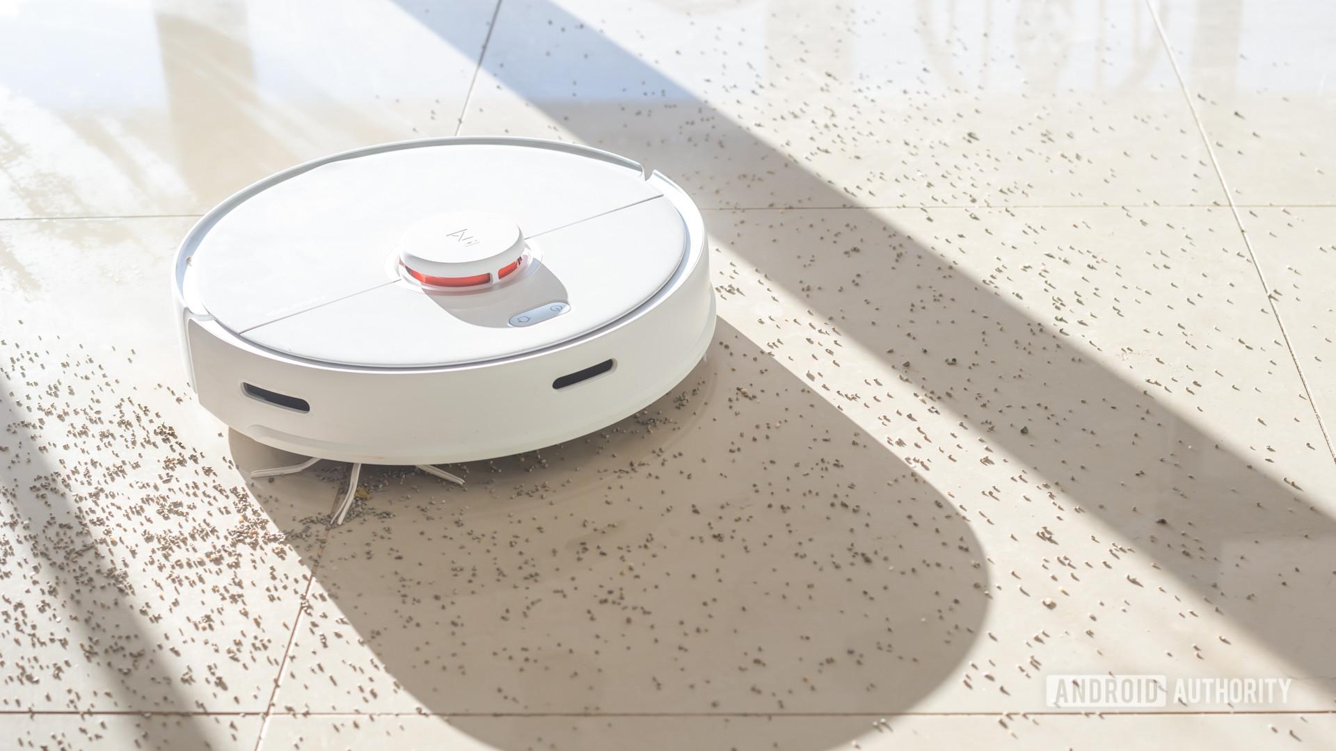 Roborock S5 Max robot vacuum cleaning dirt 14