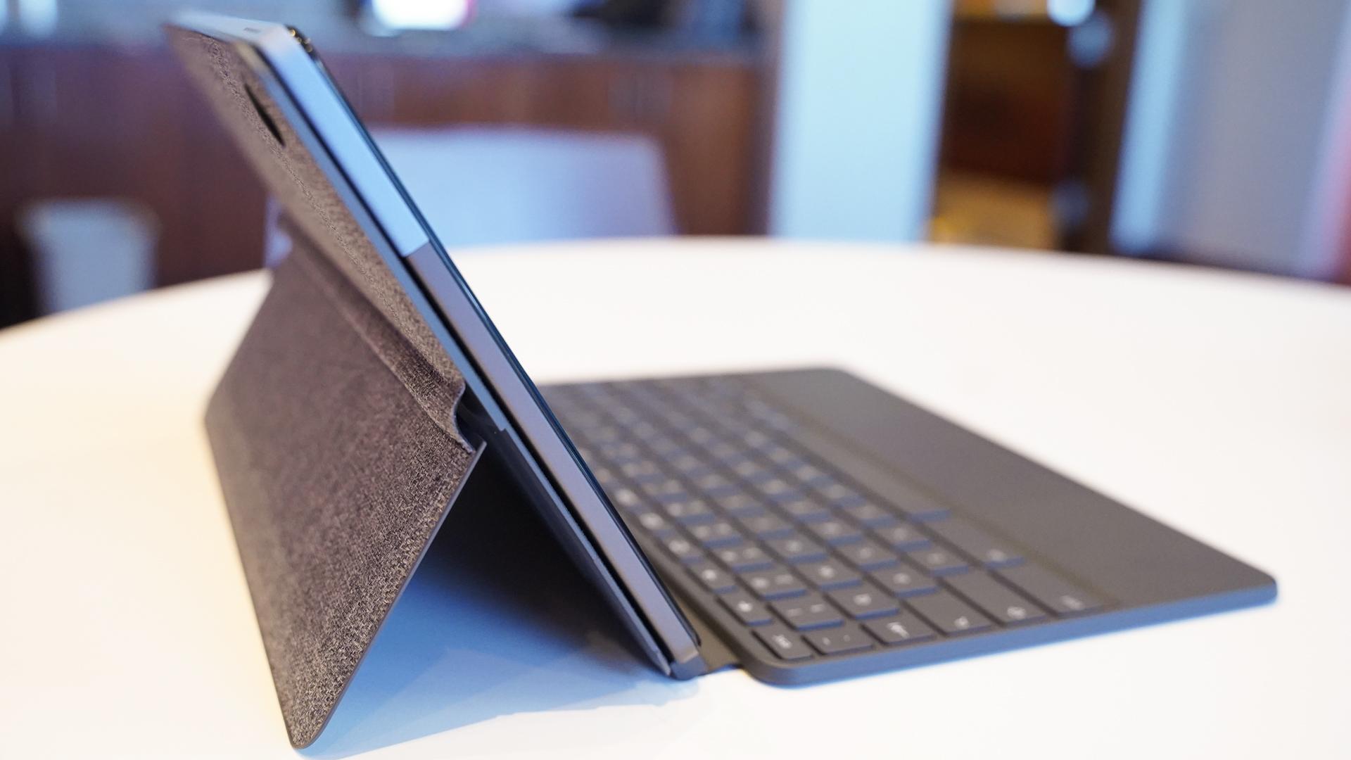 Lenovo IdeaPad Duet kickstand