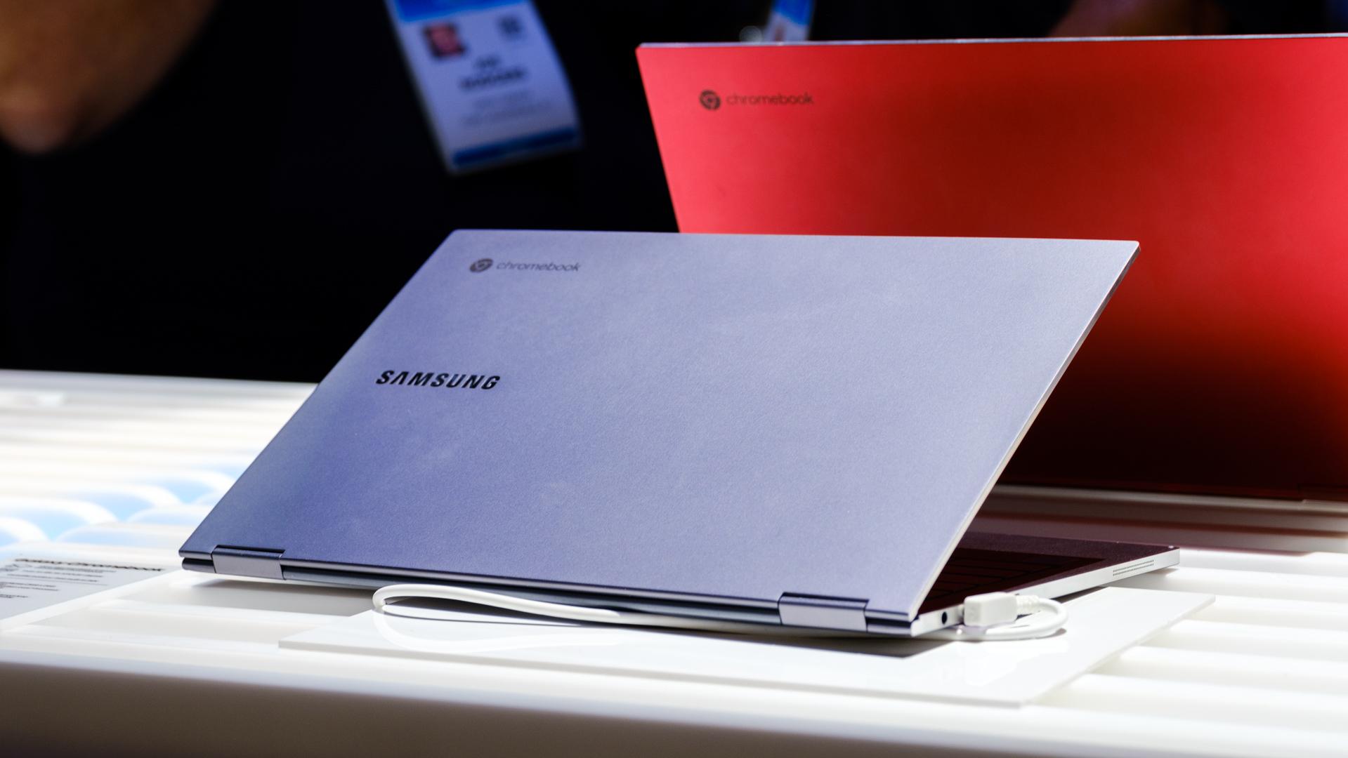 Samsung Galaxy Chromebook back side angled silver