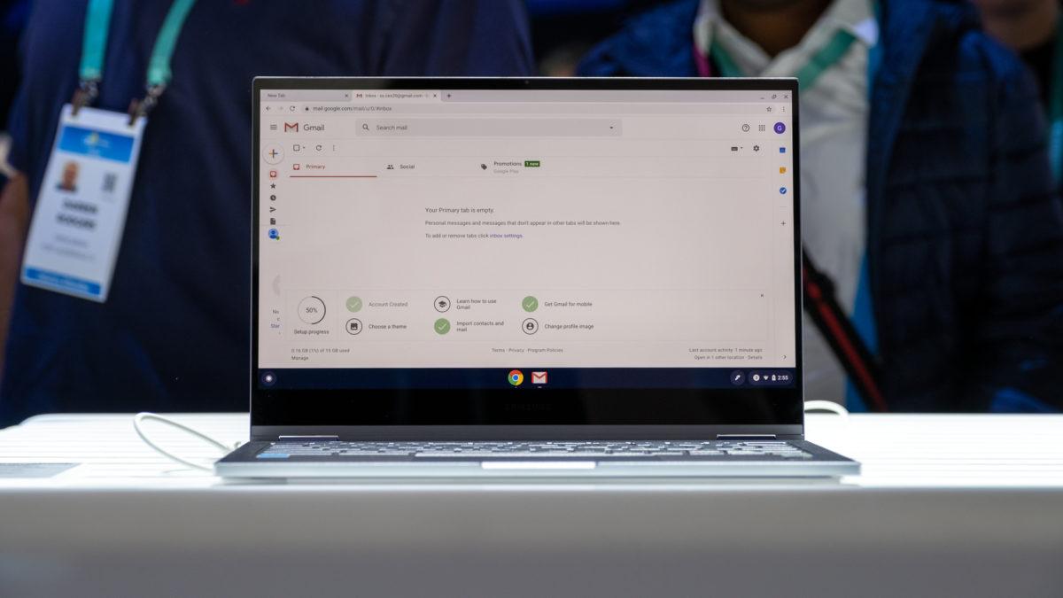 Samsung Galaxy Chromebook straight on 1