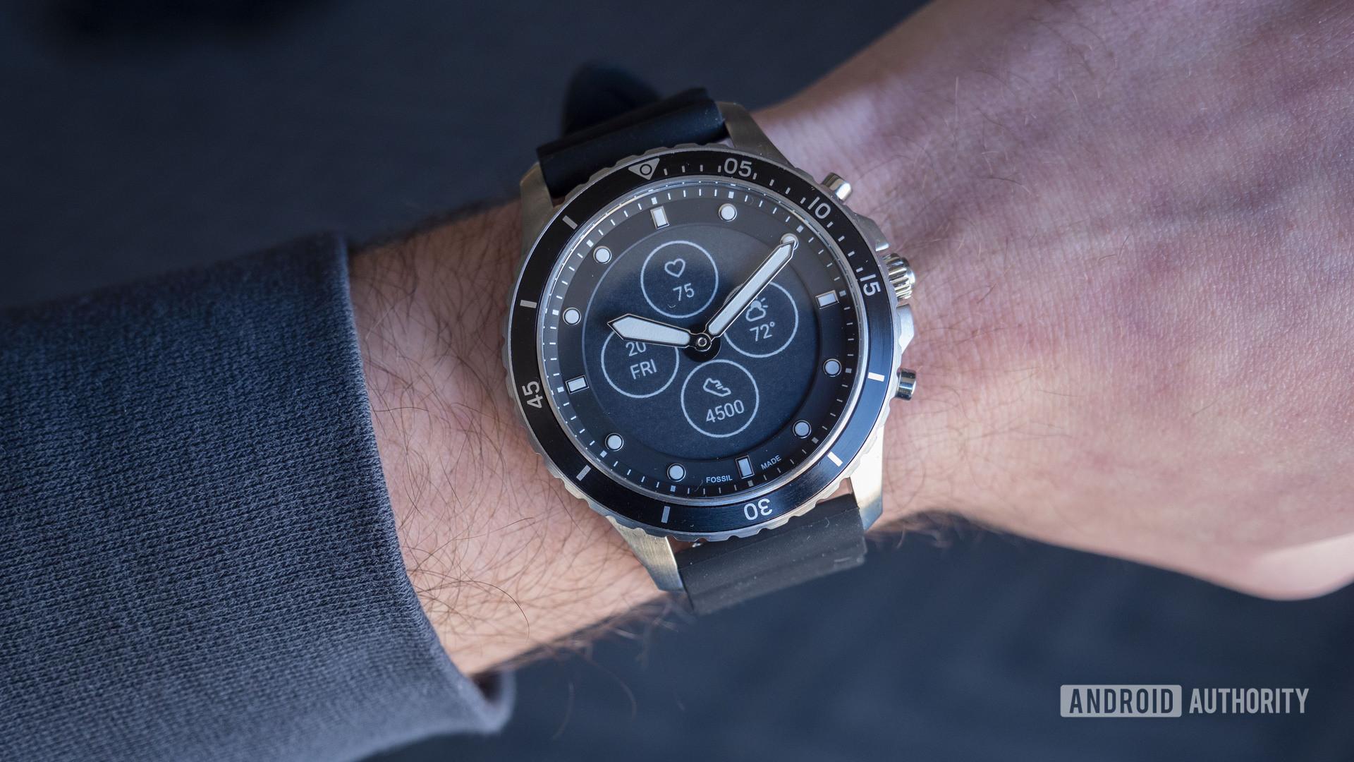 new fossil hybrid hr smartwatches 2