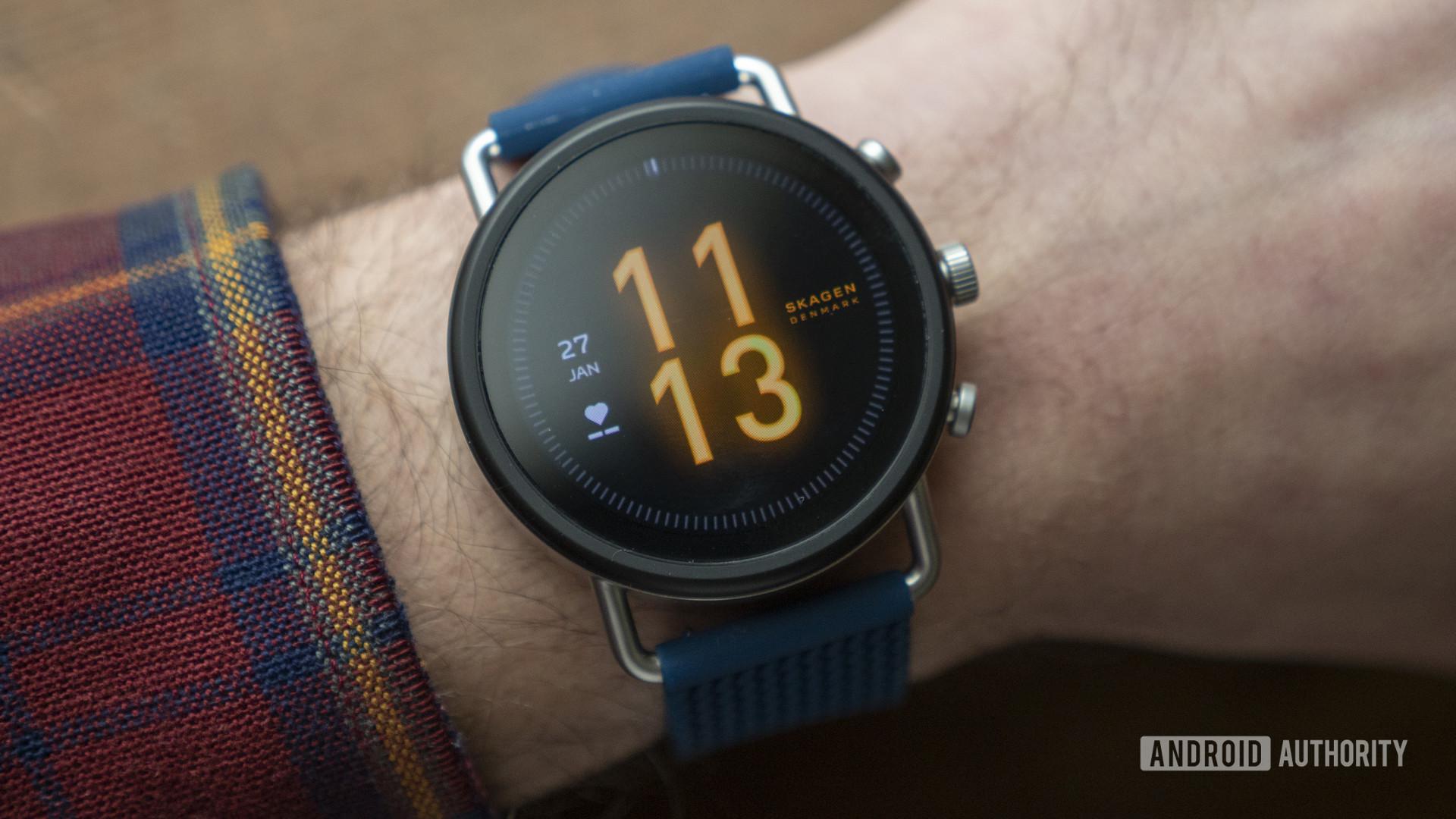 skagen falster 3 review watch face on wrist 1