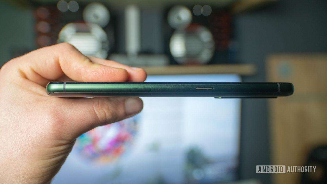 Realme X50 Pro 5G right side