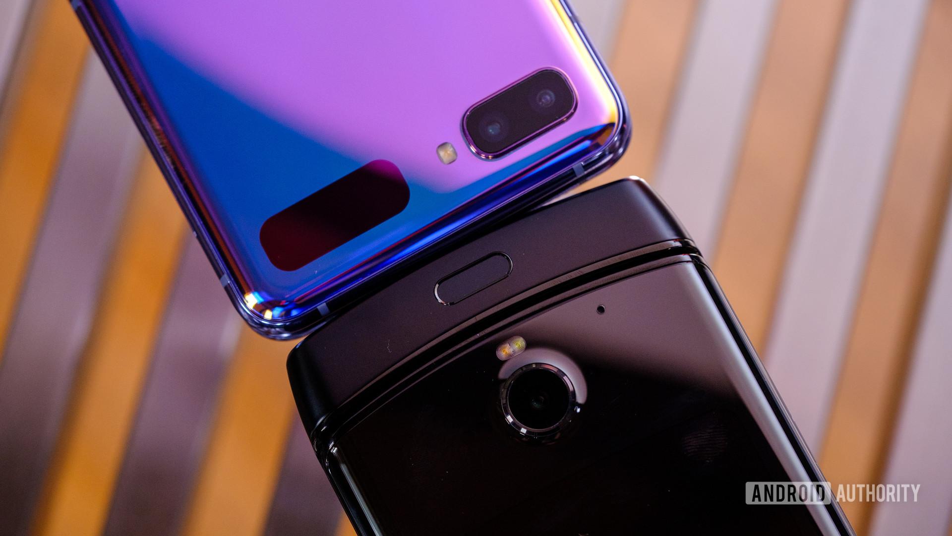 Samsung Galaxy Z Flip vs Motorola Razr bottoms