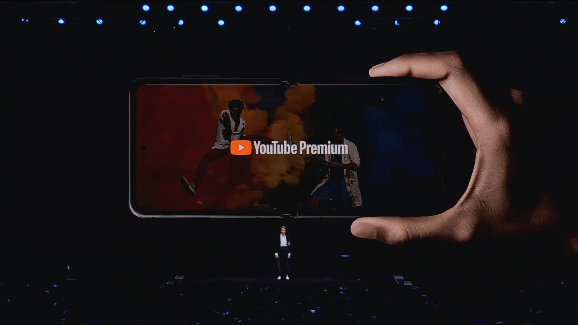 Z Flip YouTube Premium Samsung Unpacked 2020