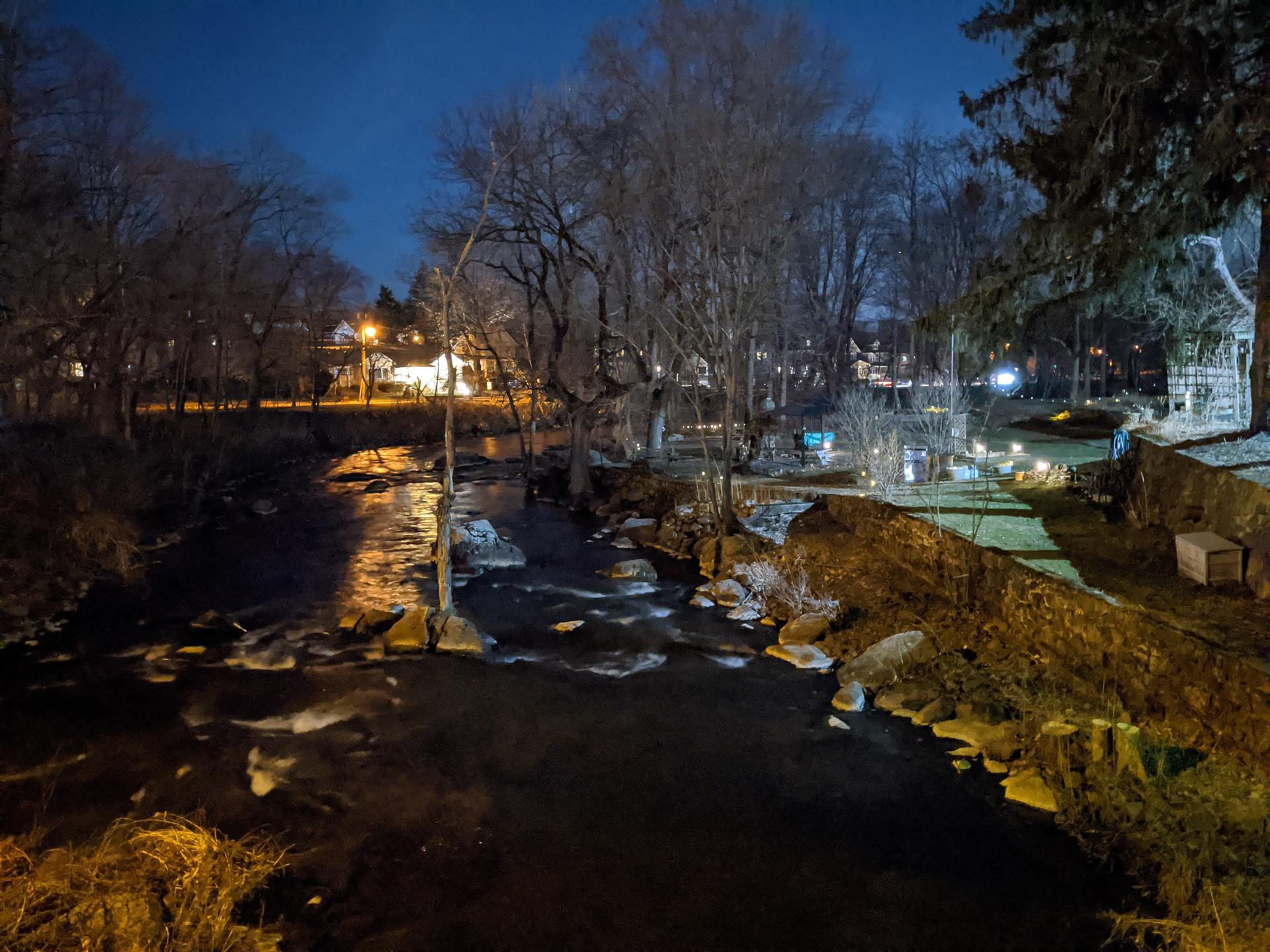 Google Pixel 4 XL camera sample night mode river