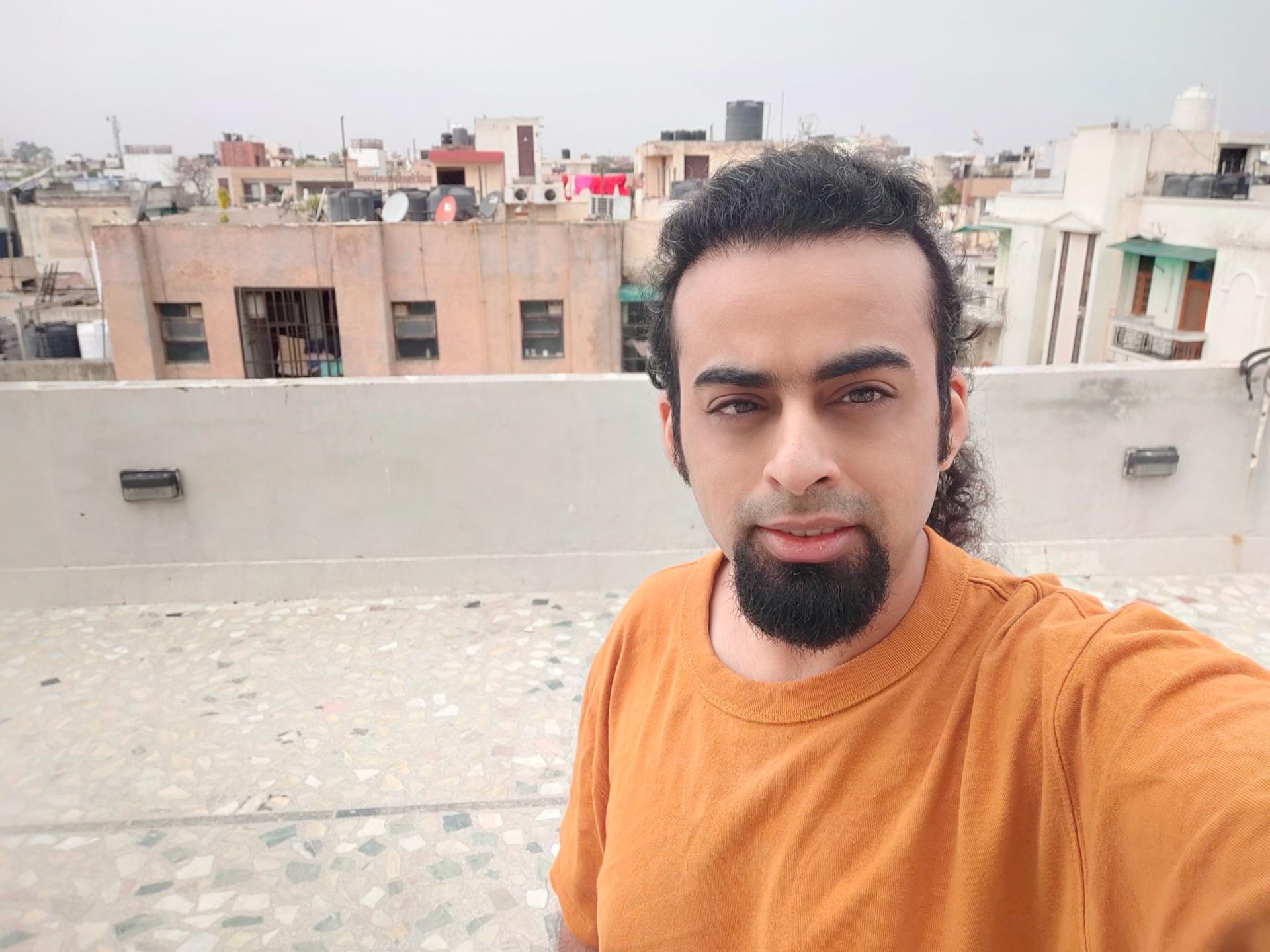 Realme 6 Pro selfie main