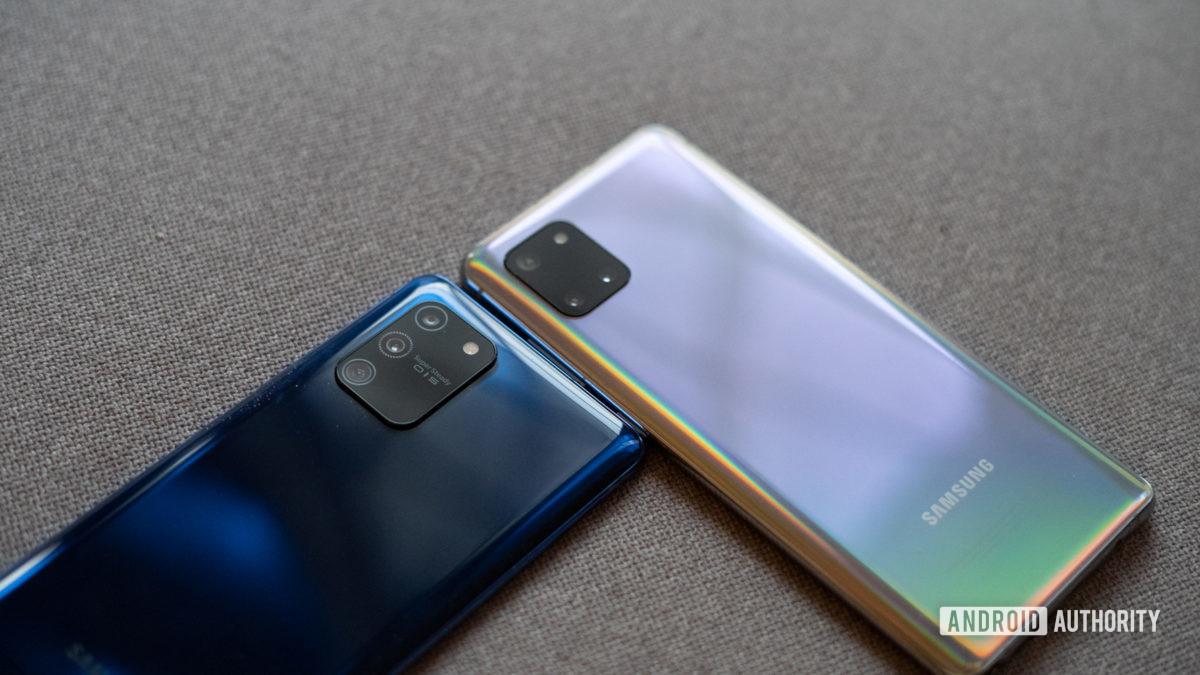 Samsung Galaxy S10 Lite vs Note 10 Lite close up rear