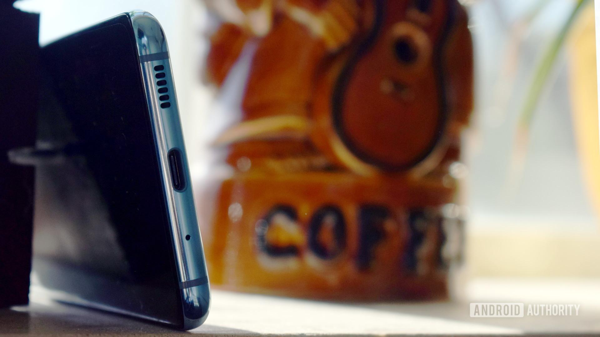1 .三星Galaxy S20 USB C接口