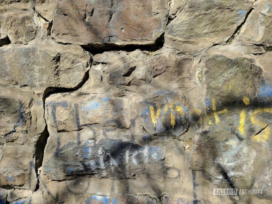 Samsung Galaxy S20 Ultra camera sample rock wall