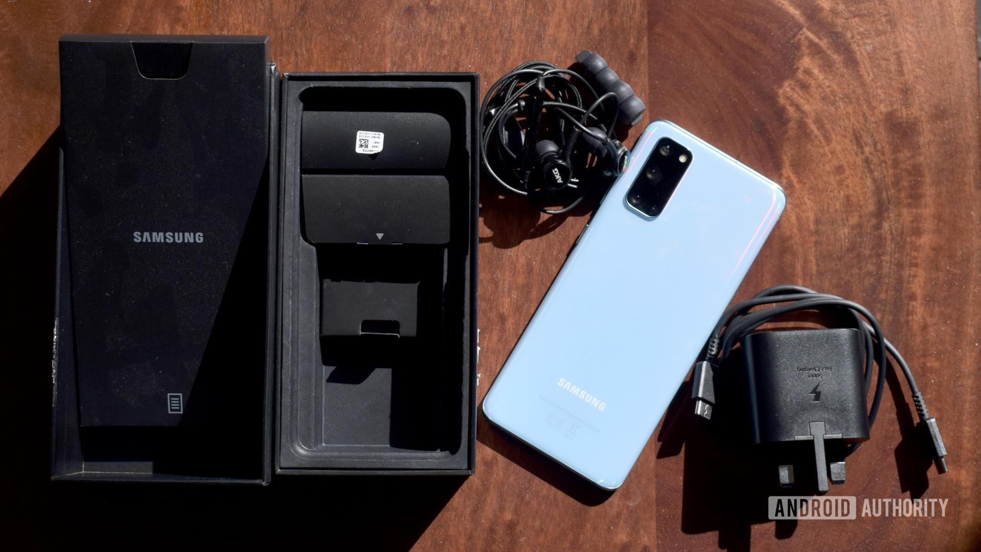 三星Galaxy S20盒装内容
