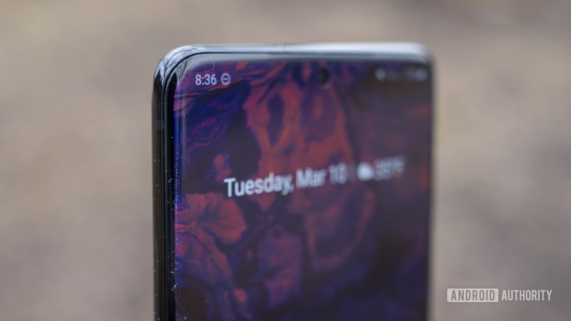samsung galaxy s20 plus review display punch hole camera 6