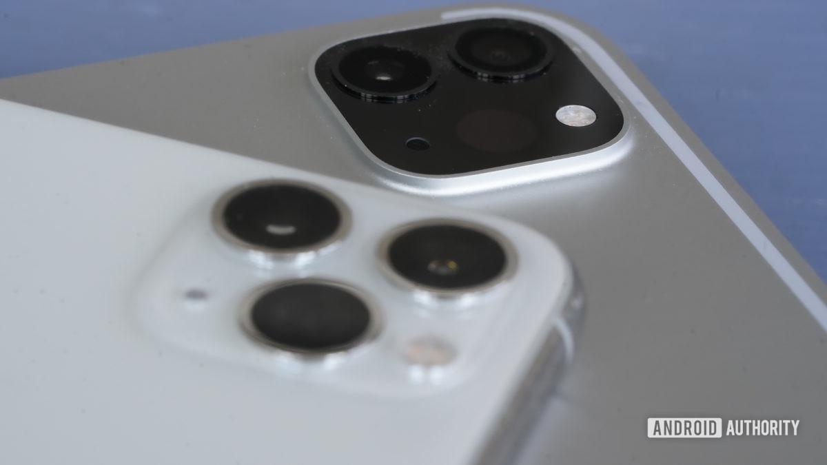 Apple iPad Pro 2020 two camera modules