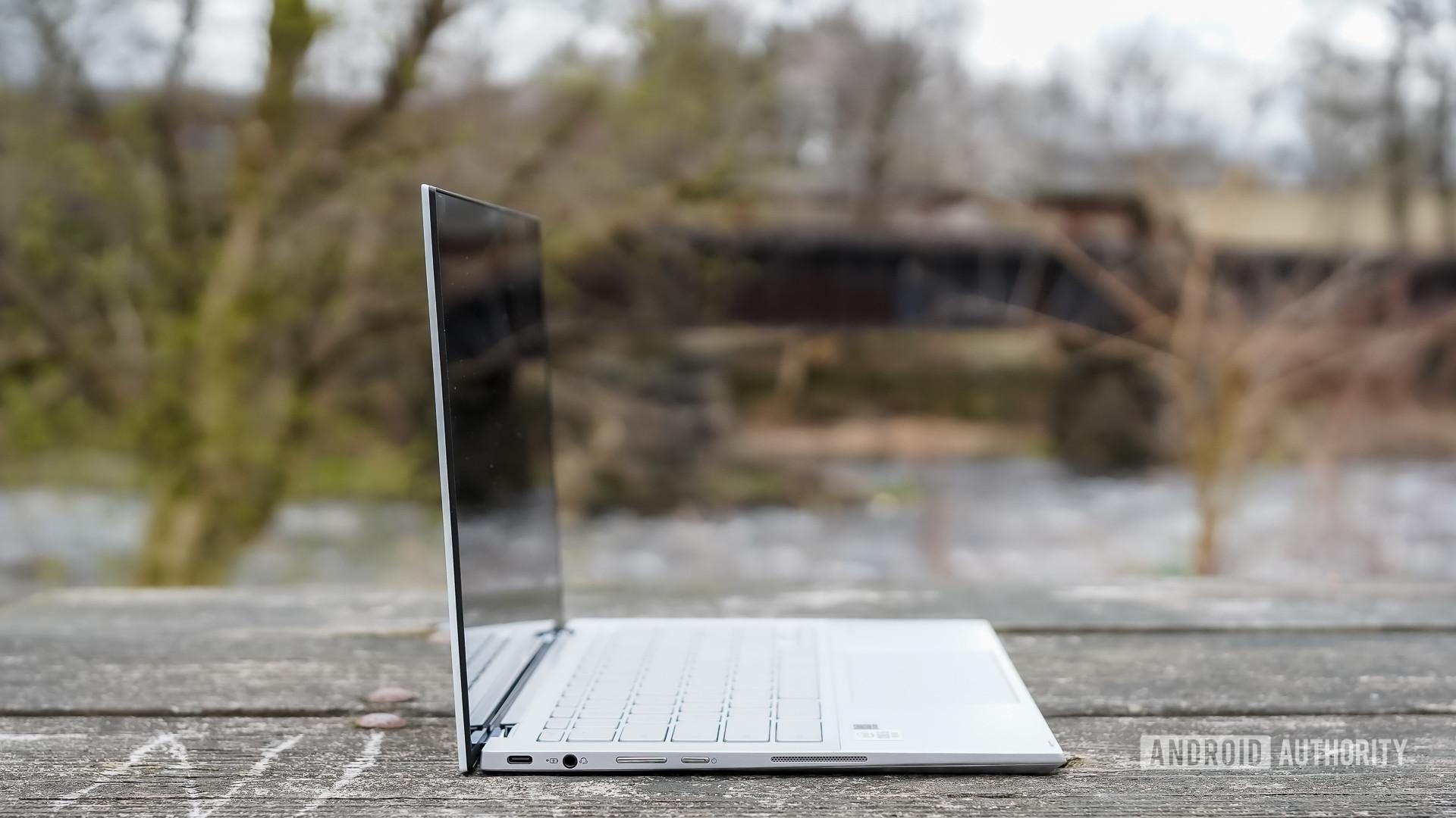 Asus Chromebook Flip C436 review left profile