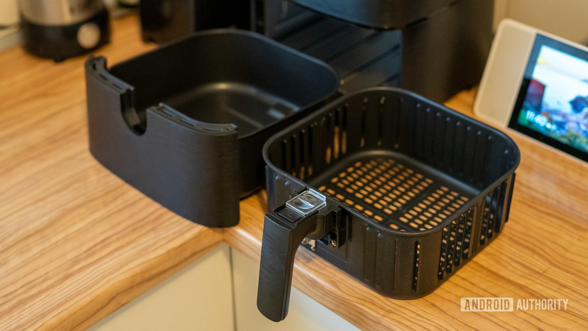 Cosori Smart Air Fryer fryer tray pieces