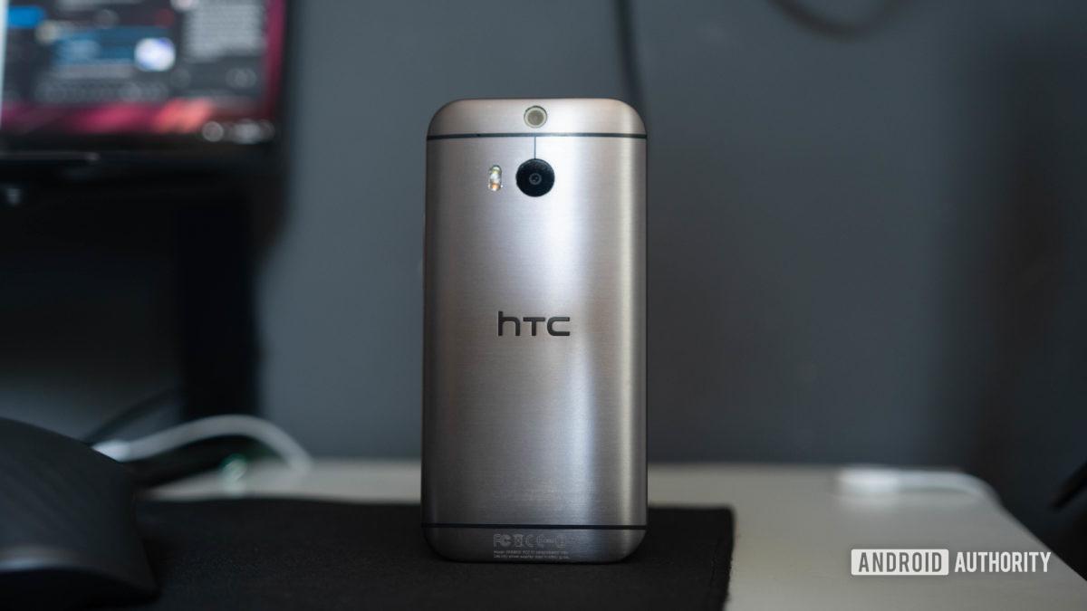 HTC One M8 rear shot