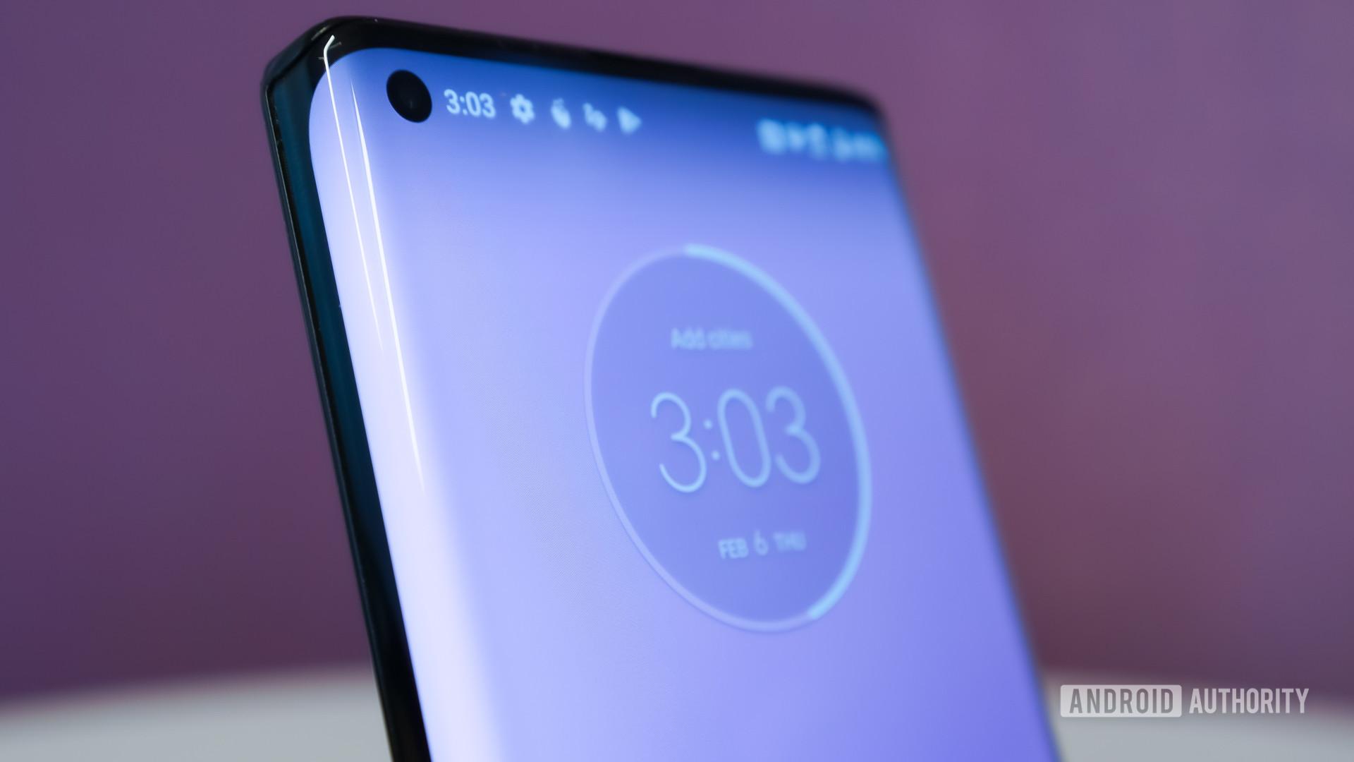 Motorola Edge Plus display curve