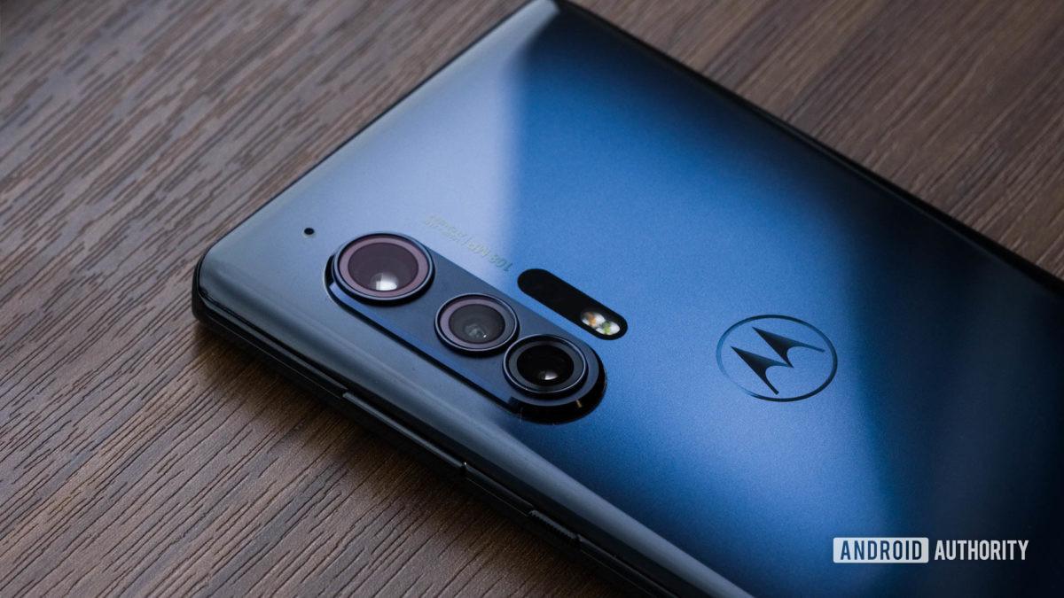 Motorola Edge camera macro 3
