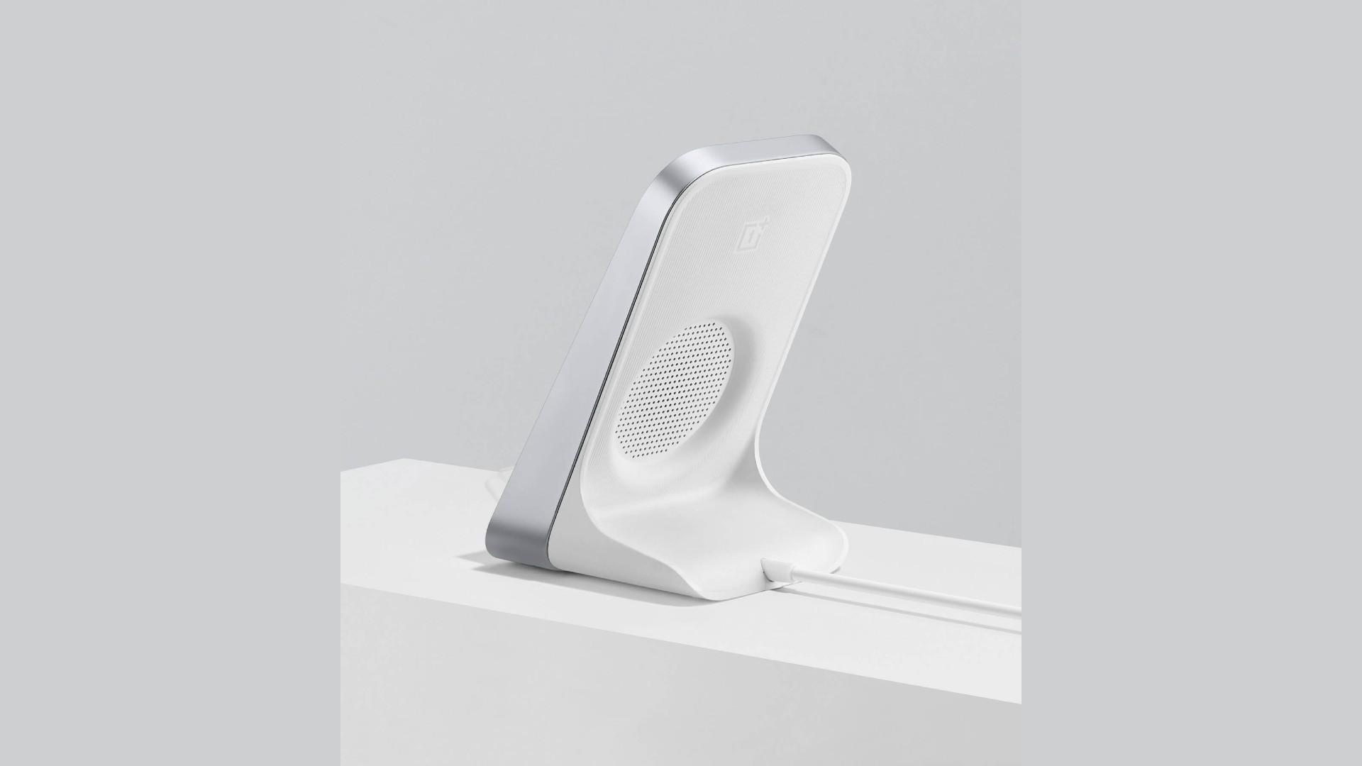 OnePlus 8 wireless charging dock