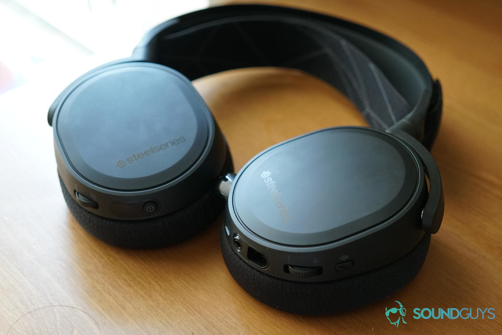 SteelSeries Arctis 7 headset gaming nirkabel datar