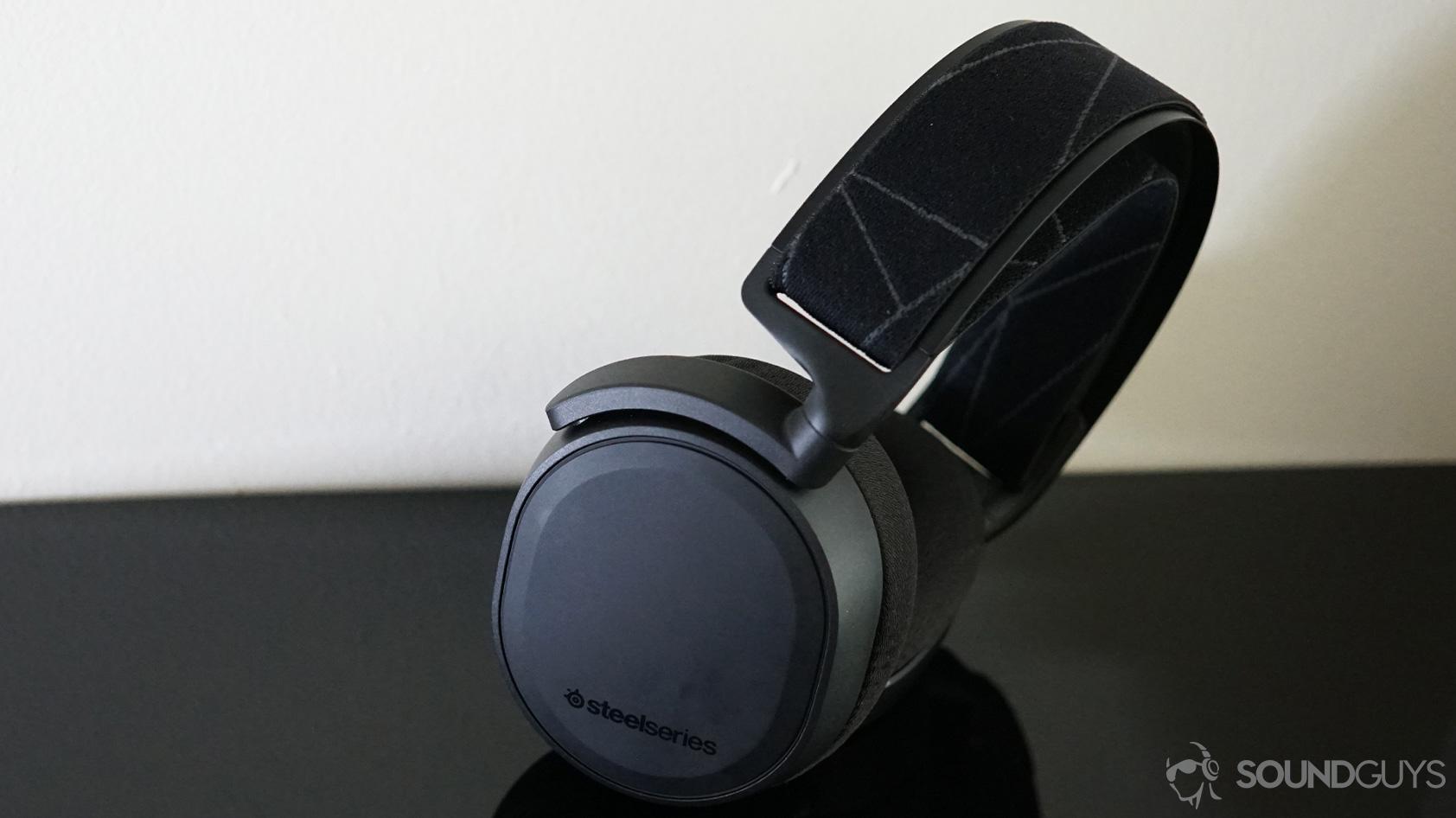 SteelSeries Arctis 7 wireless gaming headset hero