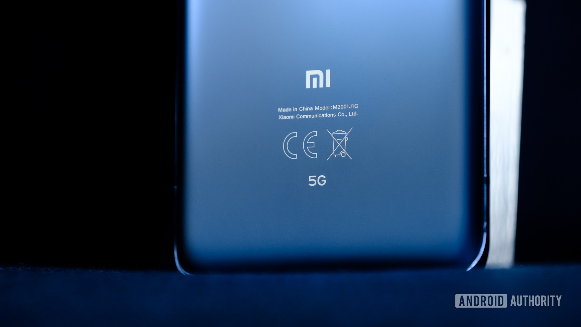 Xiaomi Mi 10 Pro back bottom half