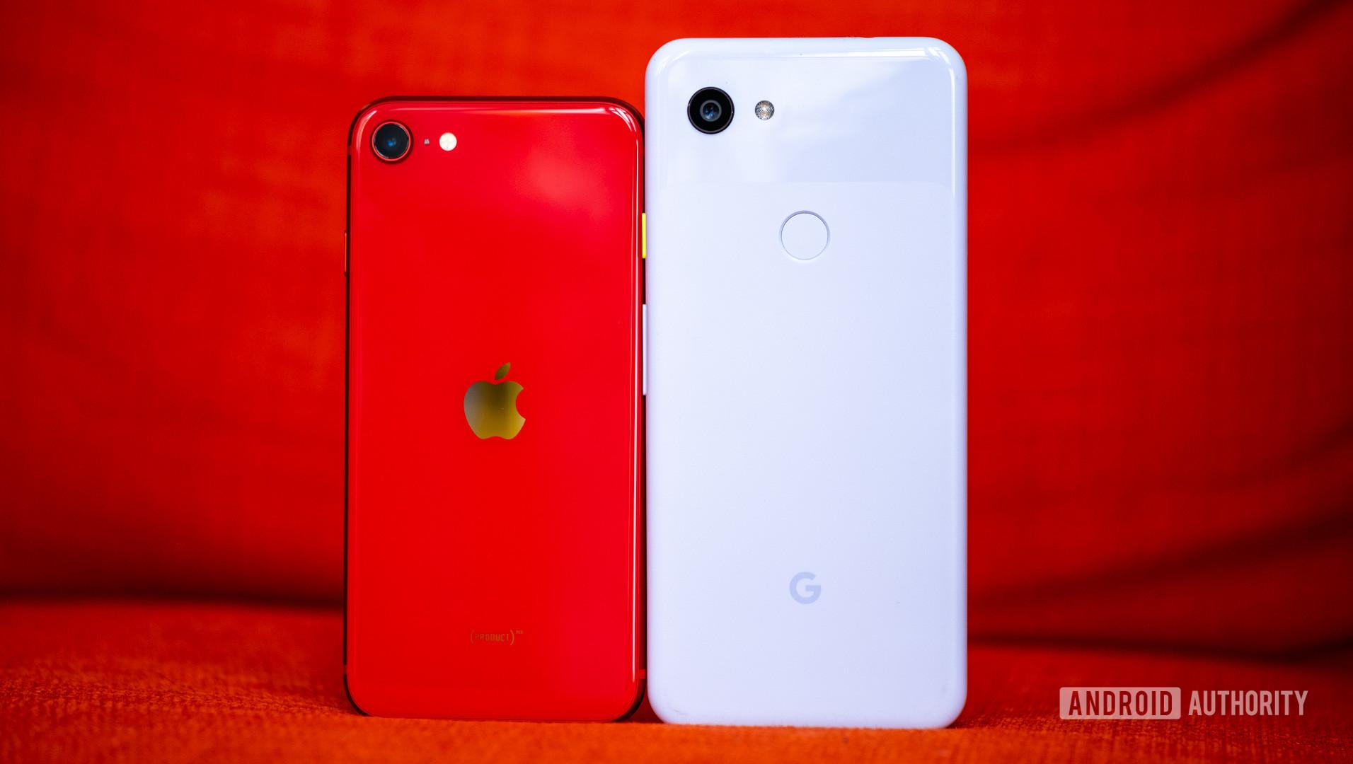 iPhone SE back vs Pixel 3a