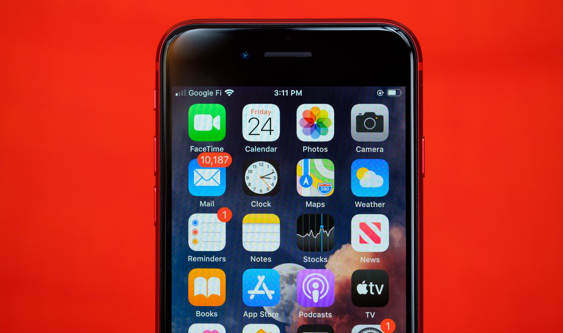 iPhone SE home screen macro