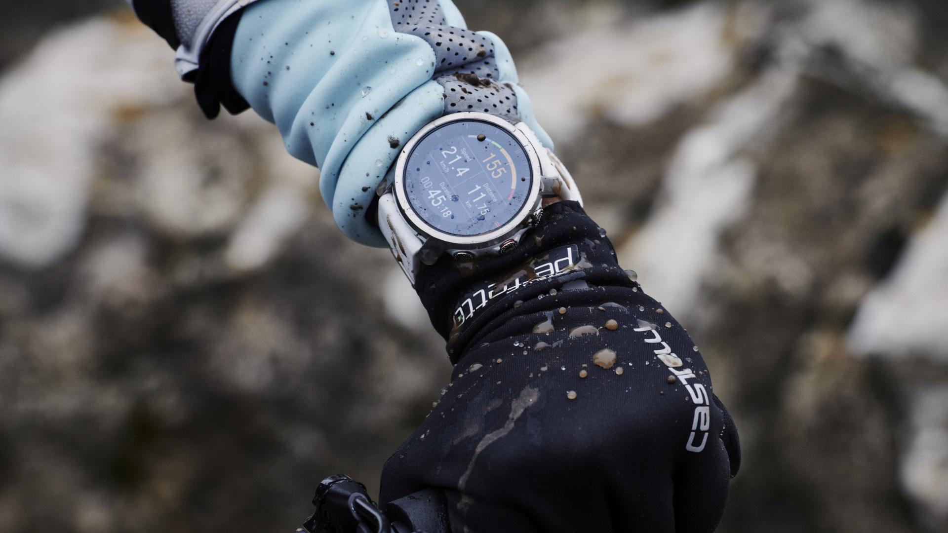 polar grit x outdoor gps watch 1