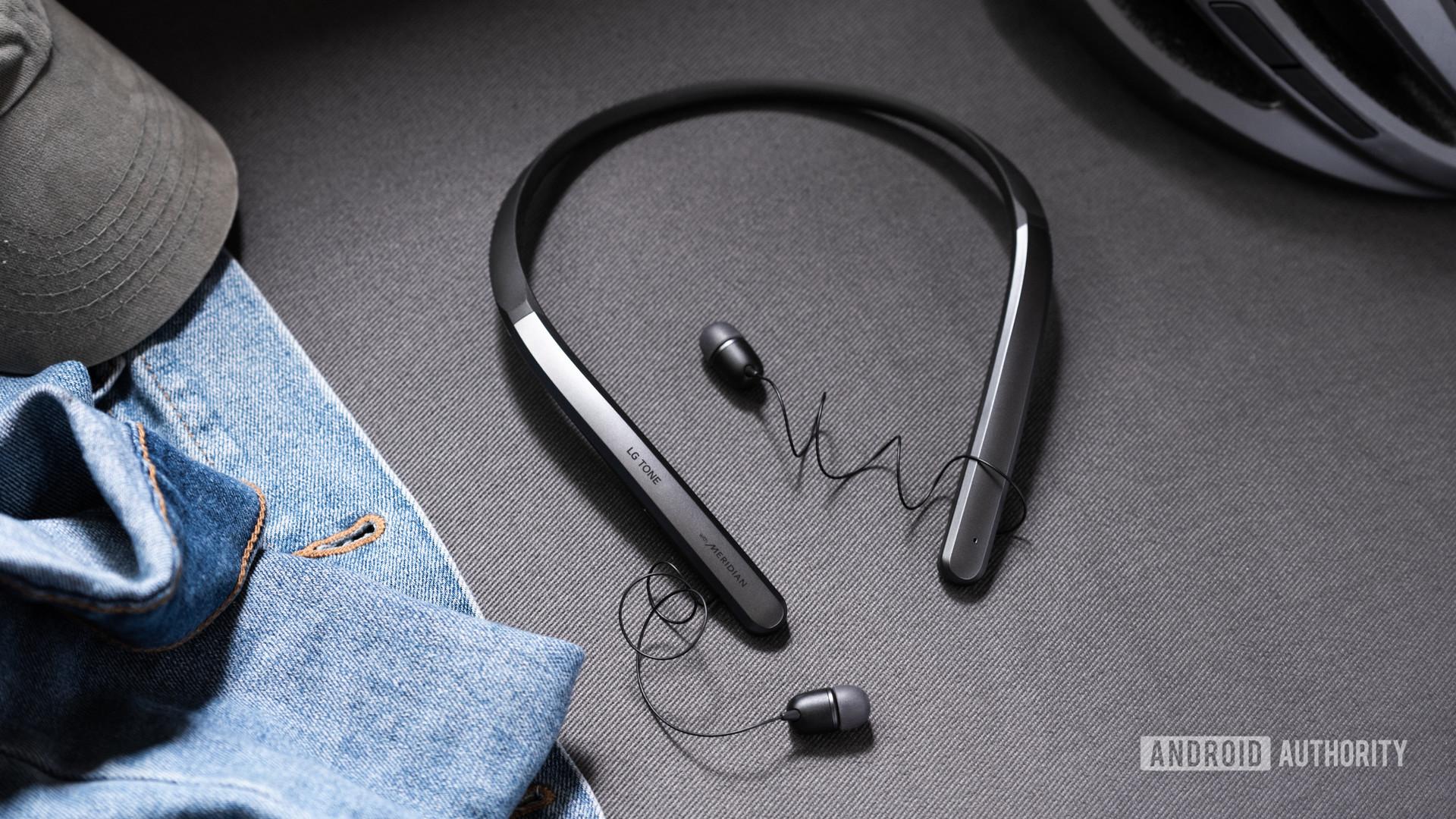 LG Tone Flex XL7 neckbuds