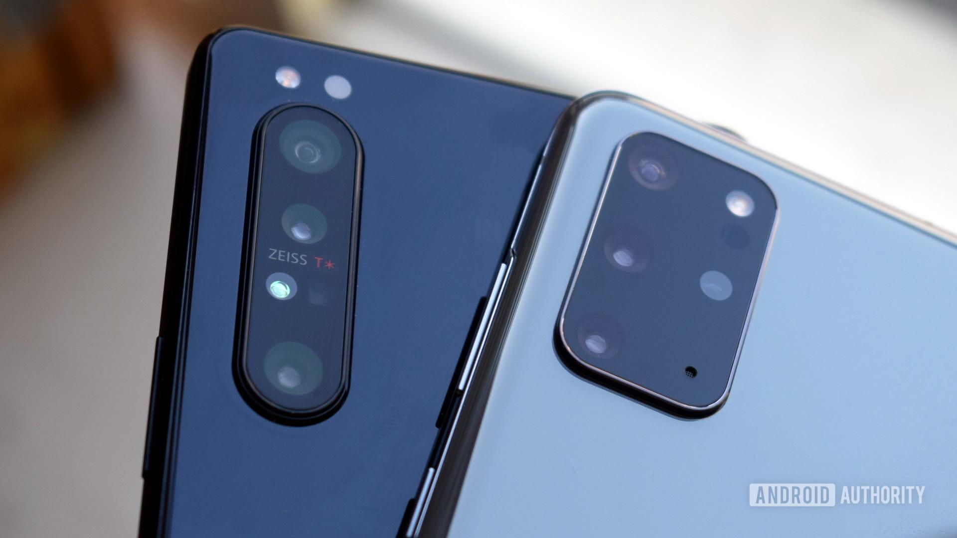 Galaxy S20 Plus vs Xperia 1 II cameras 2