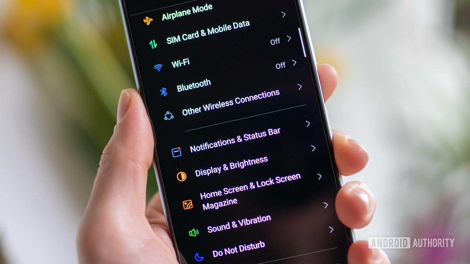 RealmeX3 Superzoom settings menu in hand