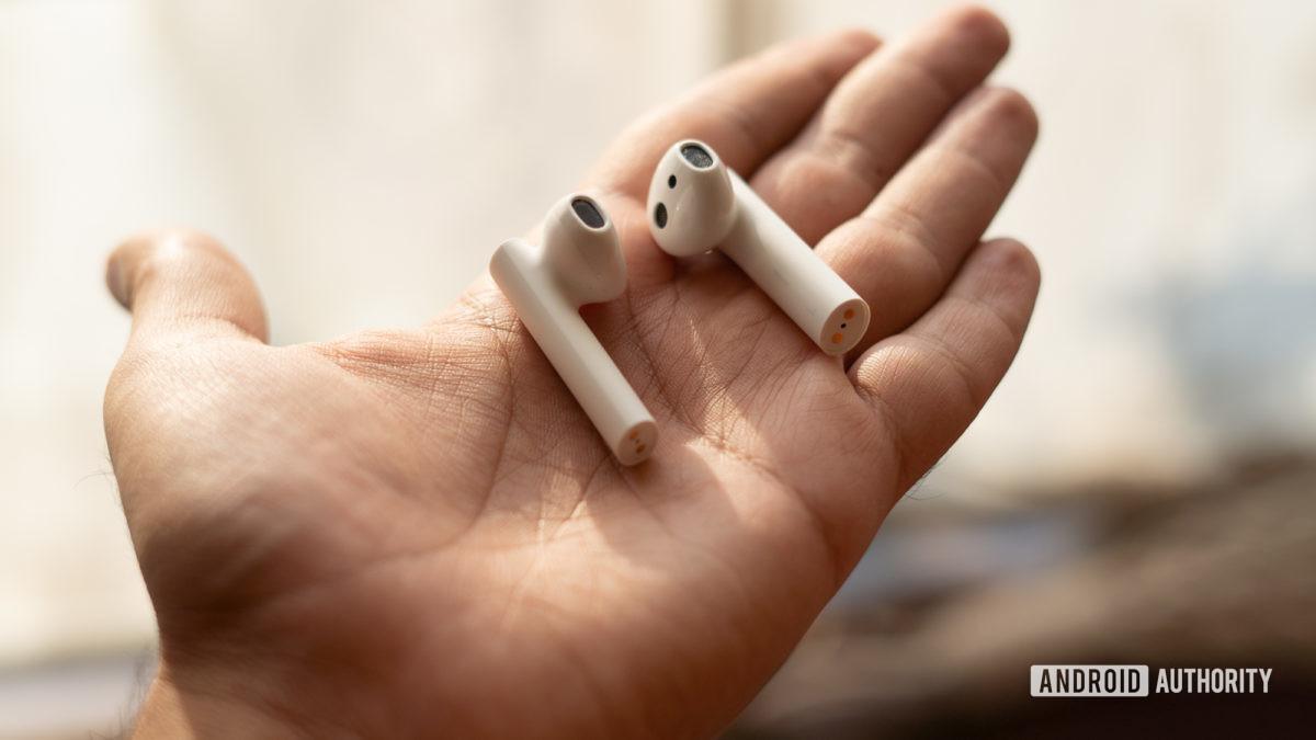 Image of Xiaomi True Wireless Earphones 2 earbuds in hand