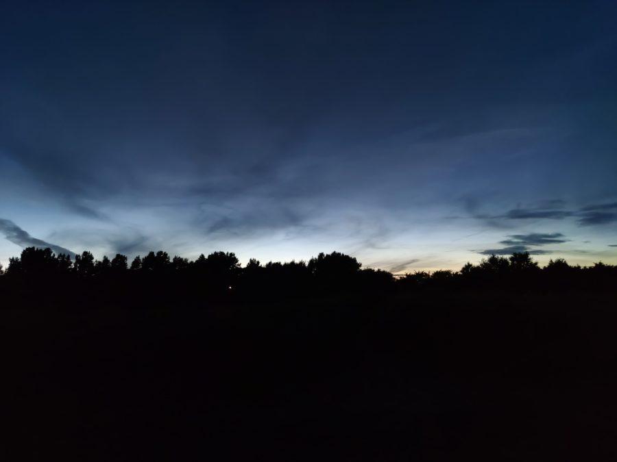 一加北测试图像夜间拍摄的地平线与主摄像机