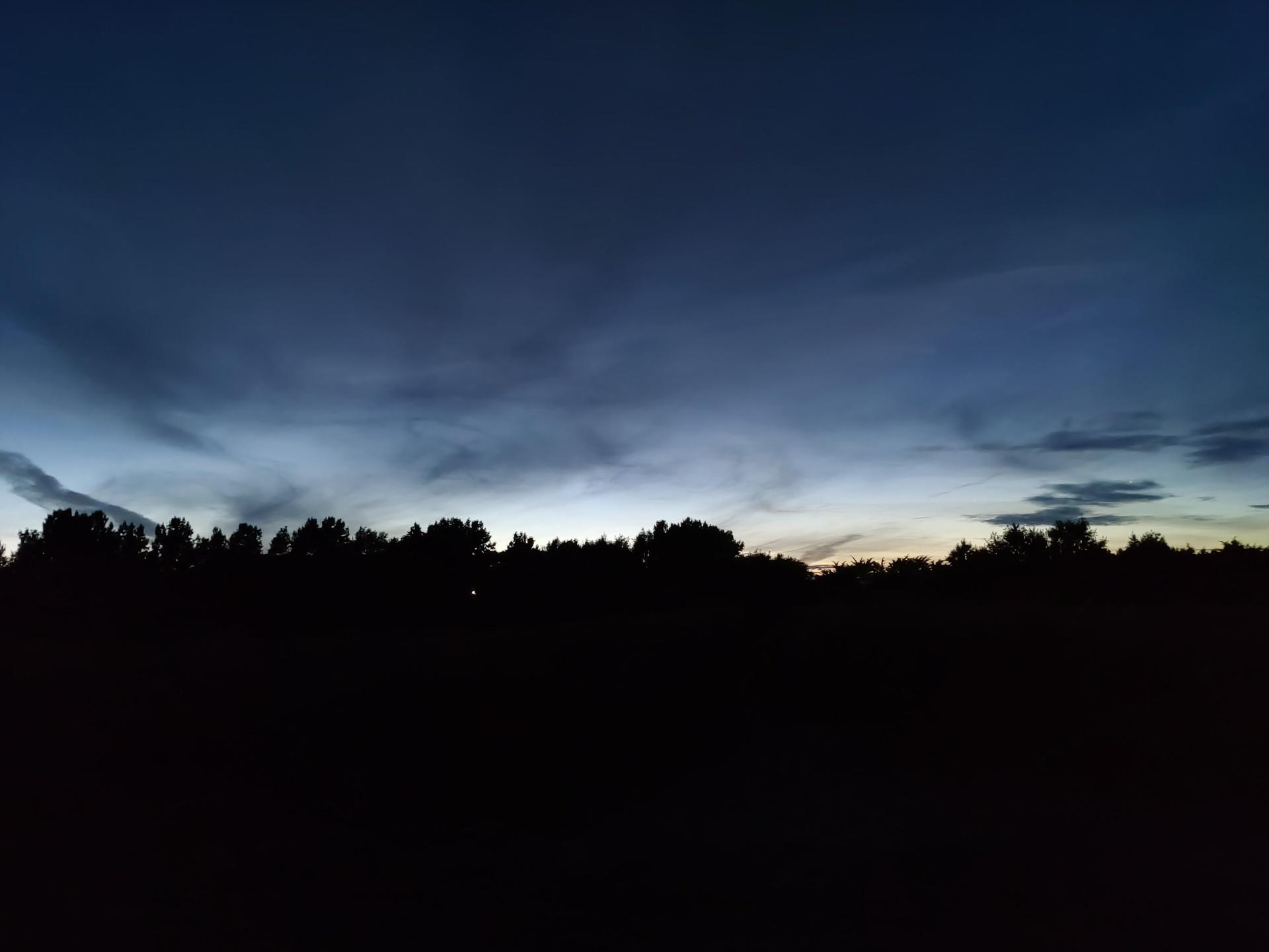 OnePlus Nord test image Night shot of horizon with main camera