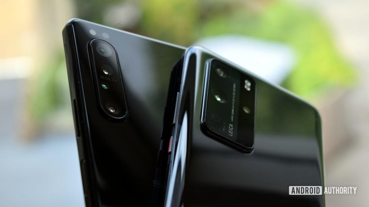 Sony Xperia 1 II vs Huawei P40 Pro cameras