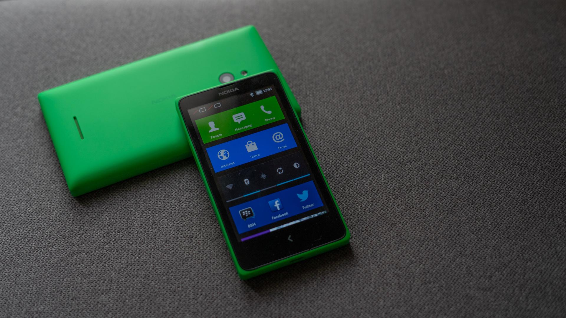 Nokia X Nokia XL front profile shot