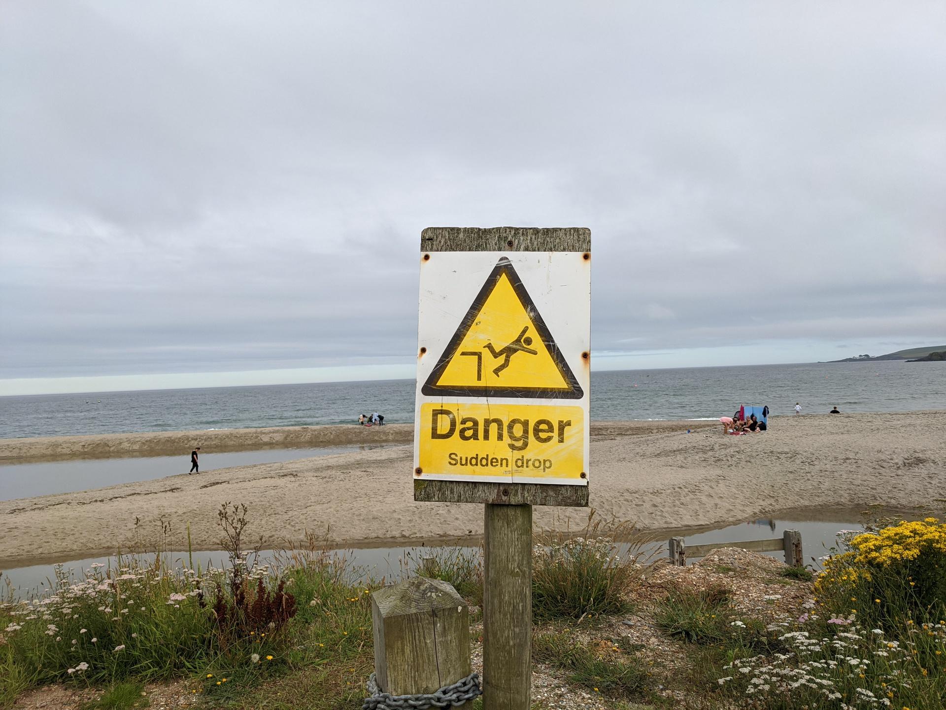 Nord vs 4a vs SE 4a danger sign