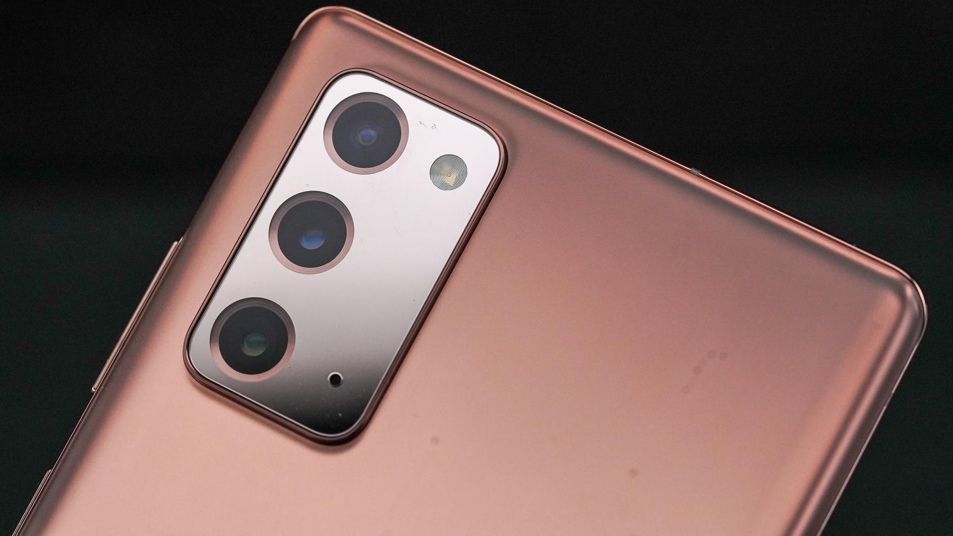 Samsung Galaxy Note 20 camera angled