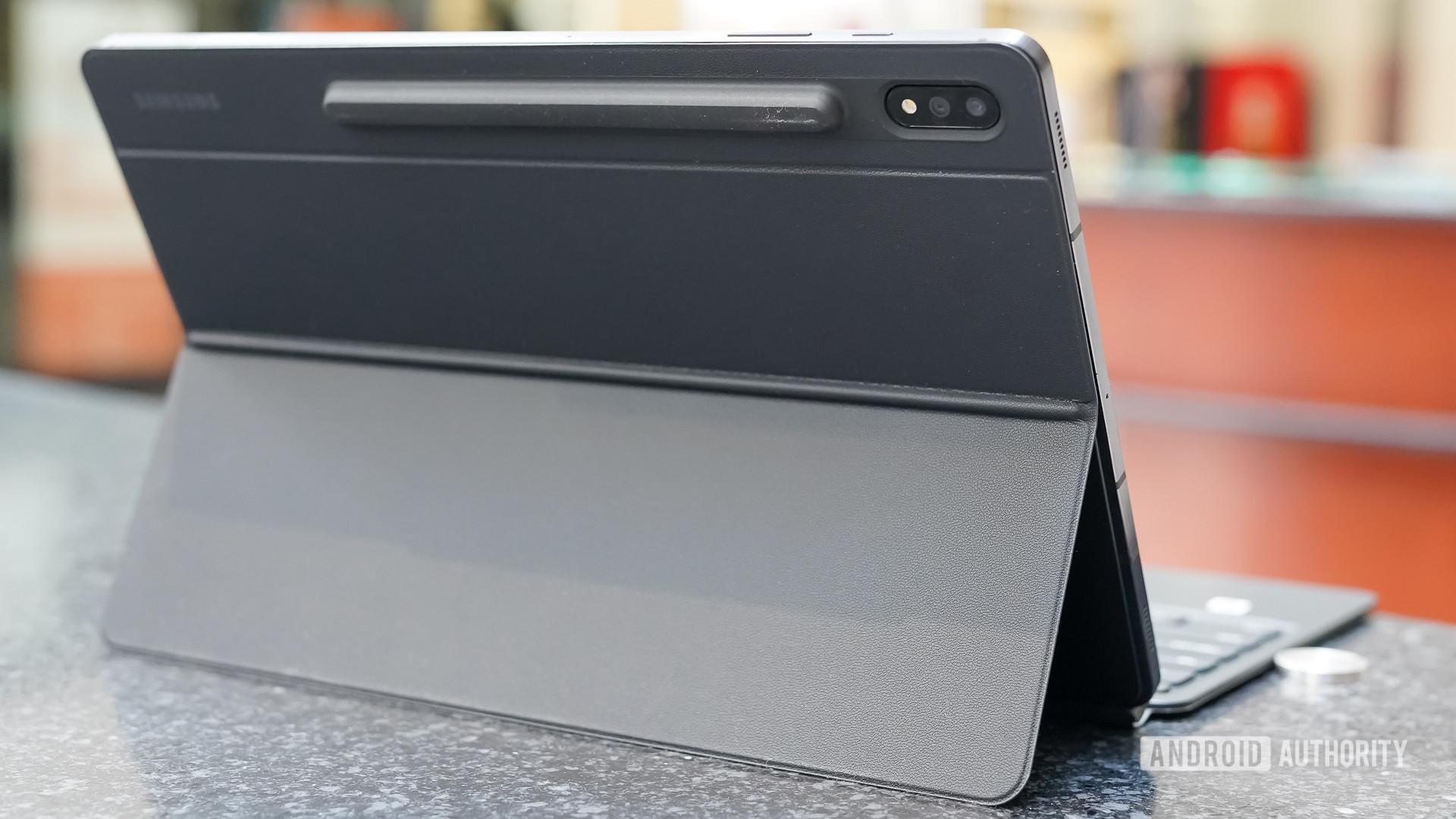 Samsung Galaxy Tab S7 Plus rear profile