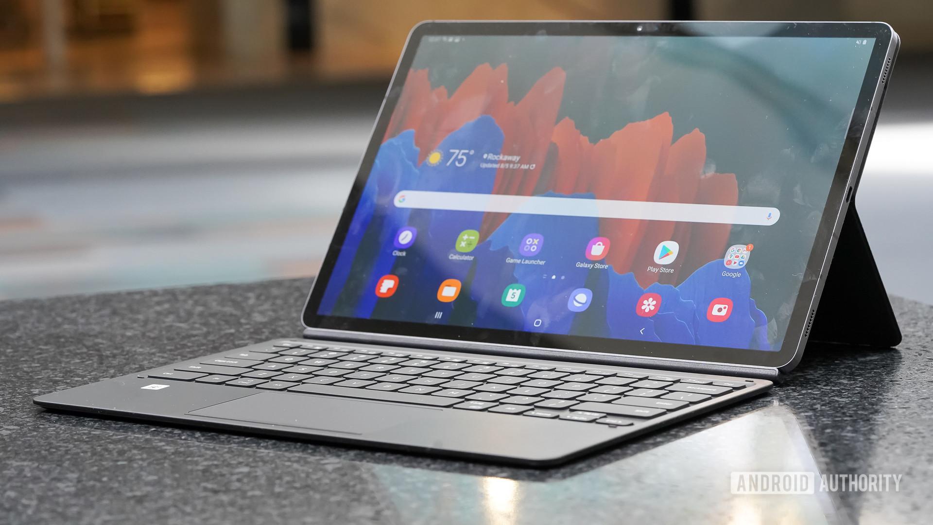 Samsung Galaxy Tab S7 Plus right profile