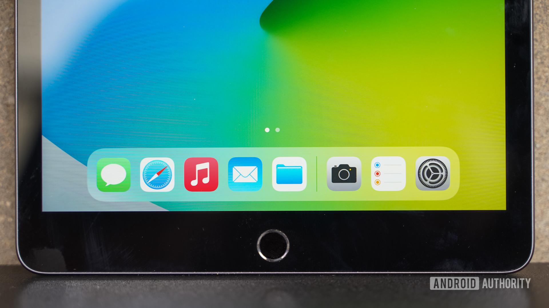 Apple iPad 2020 Dock