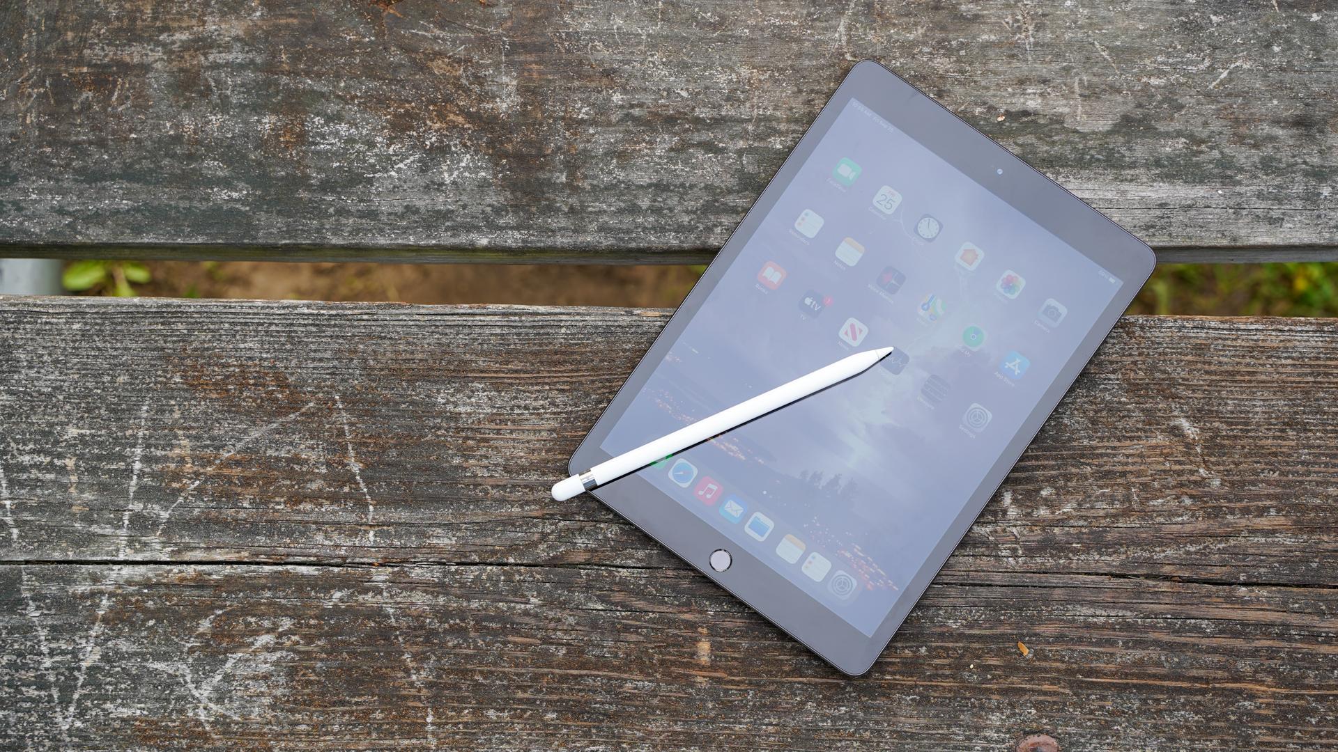 Apple iPad 2020 with Apple Pencil