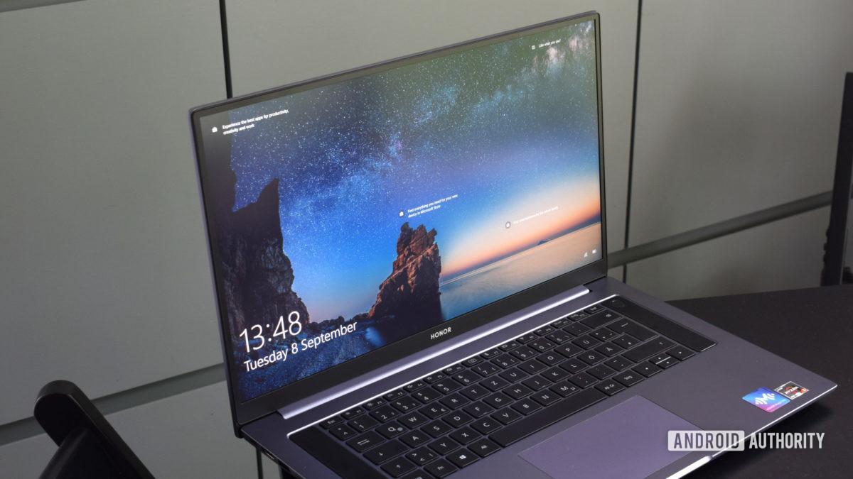Honor MagicBook Pro display 1