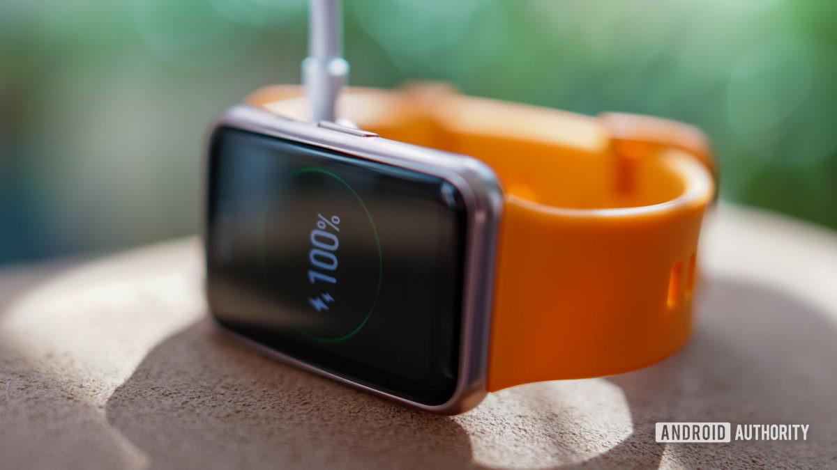 Huawei Watch Fit charging screen