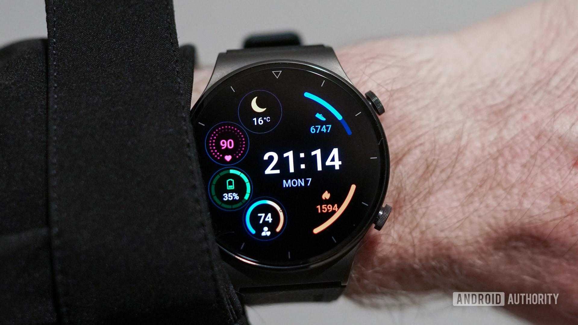 Huawei Watch GT 2 Pro smartwatch face 1