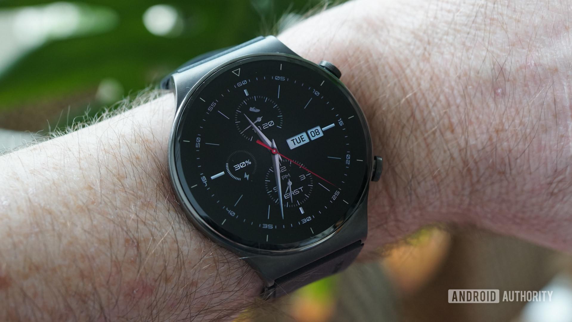 Huawei Watch GT 2 Pro smartwatch face 3