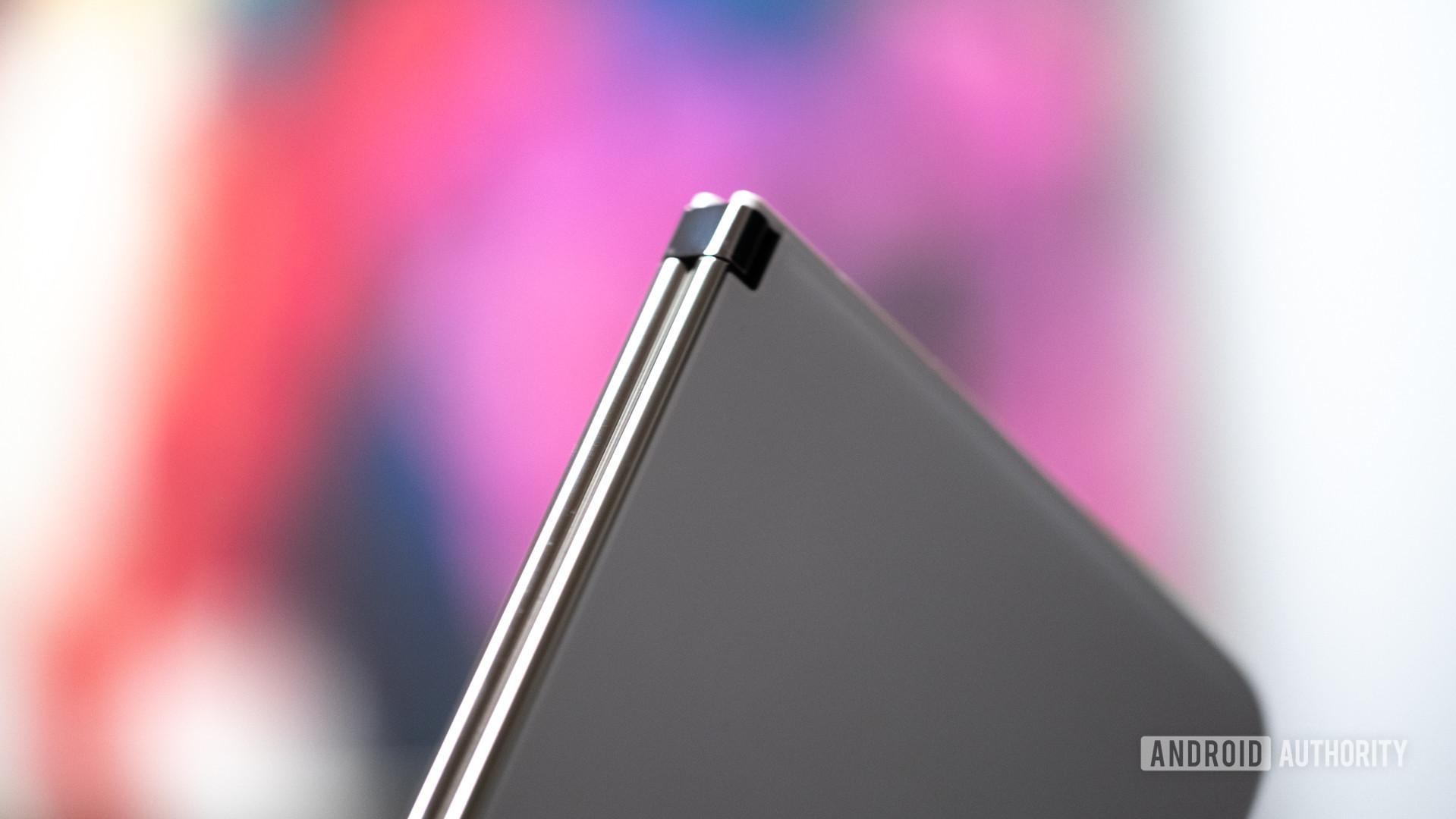 Microsoft Surface Duo hinge macro 2