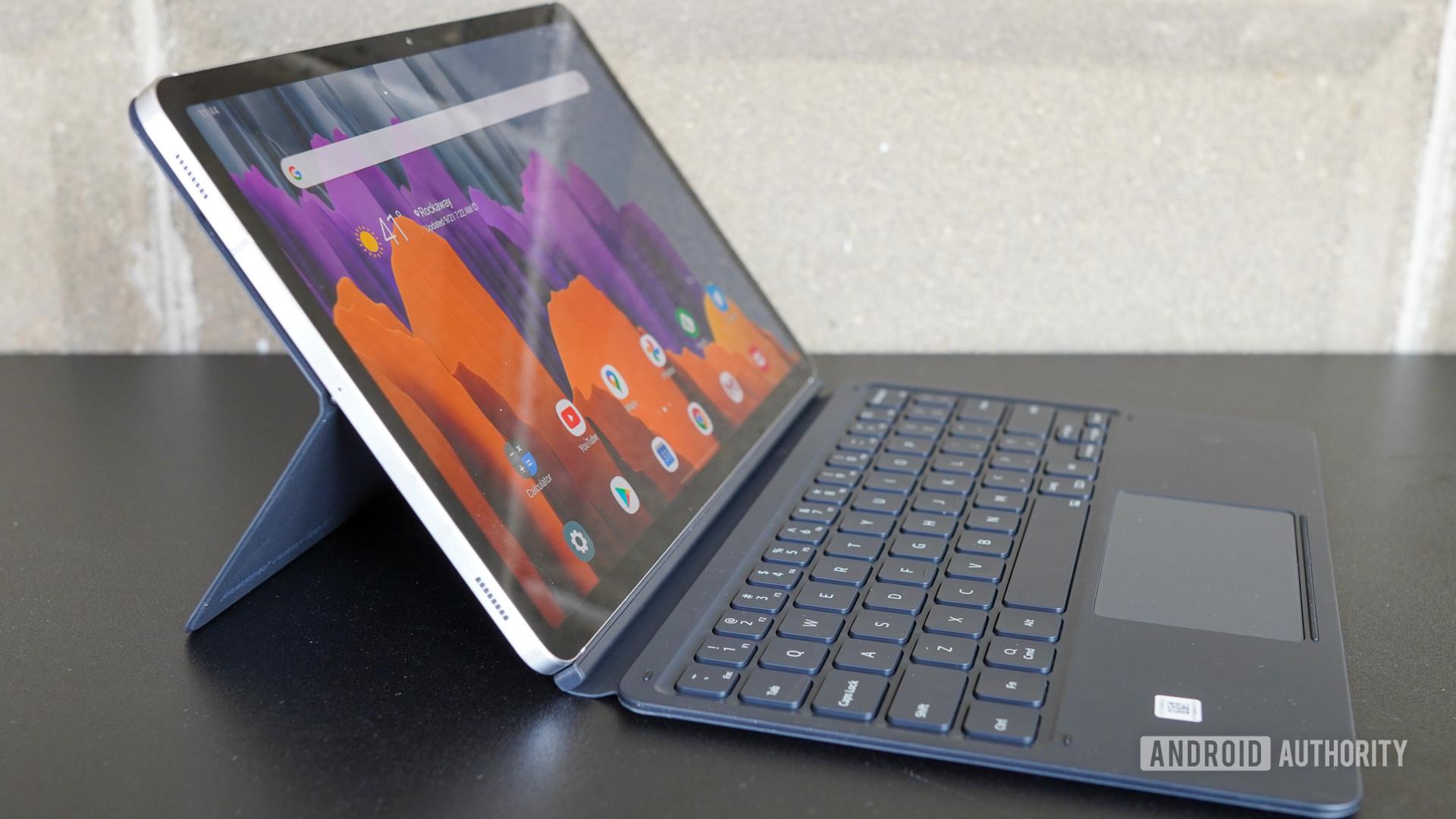 Samsung Galaxy Tab S7 left view
