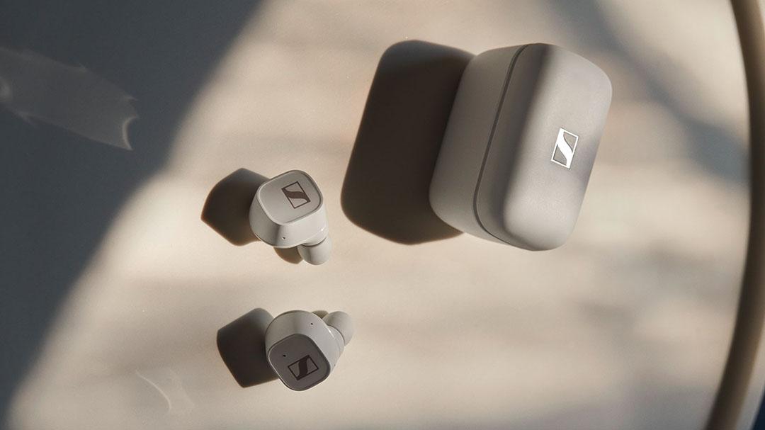 Sennheiser CX 400BT True Wireless earbuds and case